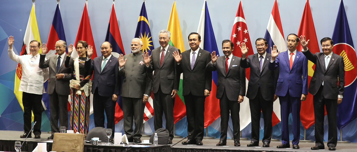 Hon'ble PM Shri Narendra Modi with leaders of ASEAN countries at ASEAN-India Informal Breakfast Summit 2018, Singapore